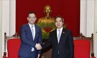 Kepala Departemen Ekonomi KS PKS, Nguyen Van Binh menerima  Menteri Lingkungan Bisni, Perdagangan dan Badan Usaha Rumania