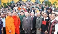 Sekjen, Presiden Nguyen Phu Trong menerima rombongan sesepuh dan kepala dukuh yang tipikal nasional