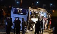 Opini umum dunia terus mengutuk serangan bom yang berlumuran darah di Mesir