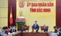 Deputi PM Vuong Dinh Hue melakuan kunjungan kerja di Provinsi Bac Ninh tentang situasi penyerapan investasi asing