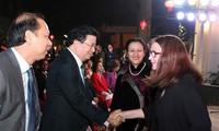 Viet Nam khusus mementingkan pekerjaan diplomasi rakyat