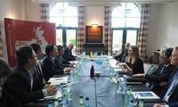 Viet Nam dan Inggris memperhebat kerjasama pendidikan