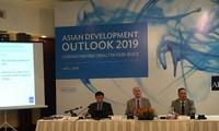 Bank Pembangunan Asia: Ekonomi Viet Nam berhasil mempertahankan pertumbuhan kuat pada latar belakang prospek global merosot