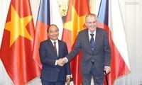 Media Republik Czech: Kunjungan PM Nguyen Xuan Phuc menciptakan tenaga pendorong terhadap kerjasama pada masa depan