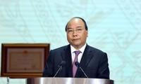 PM Nguyen Xuan Phuc menghadiri acara peringatan ulang tahun ke-30 berdirinya Viettel