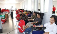 Rakyat daerah-daerah aktif menyumbangkan darah kemanusiaan