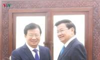 Deputi PM Trinh Dinh Dung melakukan pertemuan dengan PM dan Ketua Parlemen Laos
