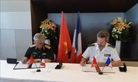 Mengarah ke hubungan kerjasama pertahanan Viet Nam-Perancis yang efektif, substantif dan setingkat dengan Hubungan Kemitraan Strategis