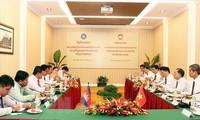 Viet Nam dan Kamboja memperhebat kerjasama di pekerjaan Front