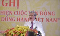 Membawa barang Viet Nam menduduki pasar domestik dan memasuki  pasar internasional  secara intensif