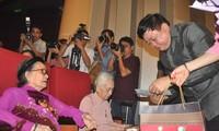 """Program kesenian khusus: """"Banggalah Tanah Air-Ibu Viet Nam"""" memuji nilai-nilai moral tradisional bangsa"""