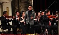 Banyak program hiburan diadakan pada kesempatan Hari Nasional Viet Nam
