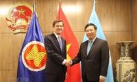 Deputi PM, Menlu Pham Binh Minh melakukan kontak bilateral di pekan tingkat tinggi persidangan ke-74 Majelis Umum PBB