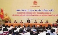 PM Nguyen Xuan Phuc memimpin Konferensi nasional mengevaluasikan masa 15 tahun pengembangan ekonomi kolektif