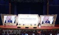 PM Nguyen Xuan Phuc memimpin Forum Meningkatkan Ketrampilan Pekerja Viet Nam