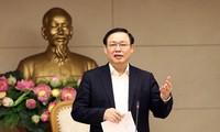 Deputi PM Vuong Dinh Hue menghadiri rapat Badan Pengarahan tentang Reformasi Gaji