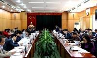 Memeriksa proyek mengatur dan membentuk unit-unit administrasi tingkat kabupaten dan kecamatan di 9 provinsi