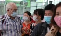 Dari tanggal 16 Maret, warga negara Viet Nam dan warga negara asing di Viet Nam harus memakai masker di tempat publik dan di misi-misi penerbangan yang datang dan pergi dari Viet Nam
