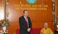 Deputi Harian PM Truong Hoa Binh mengucapkan selamat sehubungan dengan  Perayaan Besar Waisak