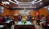 Membawa ỉnformasi tentang negeri dan manusia RDRK kepada massa rakyat Viet Nam