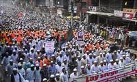 Puluhan ribu umat Muslim di dunia melakukan demonstrasi untuk menentang Perancis