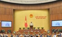 Para anggota Pemerintah menjawab interpelasi dengan terus-terang, jelas dan berkualitas