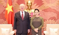 Ketua MN Nguyen Thi Kim Ngan Menerima Duta Besar Federasi Rusia