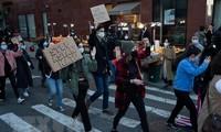 Pawai dengan Skala Besar di New York untuk Mengimbau Perlindungan Warga AS Keturunan Asia