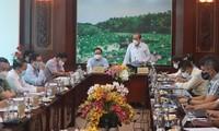 Deputi Harian PM Truong Hoa Binh Lakukan Temu Kerja dengan Provinsi Long An tentang Pencegahan dan Penanggulangan Wabah Covid-19