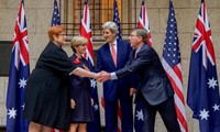 US, Australia vow to ensure freedom of navigation in East Sea