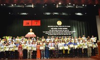 Elogian a personas destacadas en el seguimiento del ejemplo de Ho Chi Minh