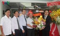 Vietnamitas expresan su gratitud a los profesores en ocasión del Día Nacional del Maestro