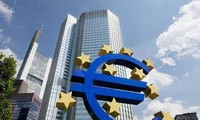 Memperingatkan bahaya Eurozone keberantakan dalam kemerosotan ekonomi baru