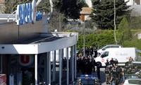 Francia homenajea a las víctimas de la toma de rehenes en Trèbes
