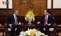 Presidente vietnamita recibe a nuevos embajadores de Sudáfrica y Egipto