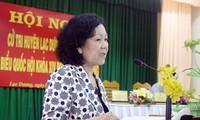 Dirigentes vietnamitas dialogan con electores en las localidades