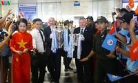 Trofeos representativos del fútbol mundial llegan a Vietnam