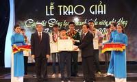 Enaltecen a más de 100 jóvenes vietnamitas por su innovación tecnológica