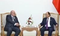 Premier de Vietnam reconoce aportes del embajador saliente de Brasil