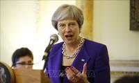 Theresa May promete obtener garantías adicionales de la UE sobre el Brexit
