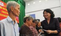 Prosiguen actividades de atención a las personas meritorias en Vietnam