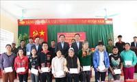 Continúan actividades a favor de los vietnamitas más necesitados en vísperas del Tet