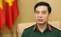Delegación militar de alto nivel de Vietnam visita Singapur
