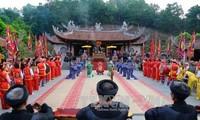 Credo a los reyes Hung promueve la gran unidad nacional