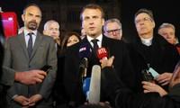 Francia reconstruirá la catedral Notre Dame, promete Emmanuel Macron
