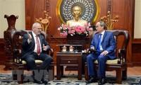 Ciudad Ho Chi Minh y Estados Unidos cooperan en desarrollar recursos humanos