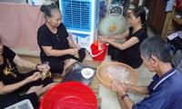 """Cocineros de """"Tu Tam"""" ayudan a compatriotas en difícil situación"""