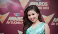 Duong Hoang Yen, hermosa y talentosa profesora de técnica vocal
