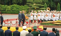 Premier vietnamita recibe a su par malasio