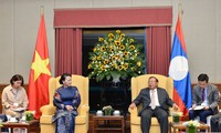 Presidenta del Parlamento vietnamita exalta relaciones especiales con Laos